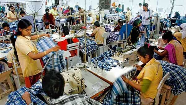 In 2019-20, readymade garment exports of Bangladesh fell 18.1% to $27.95 billion  (Photo: Reuters)