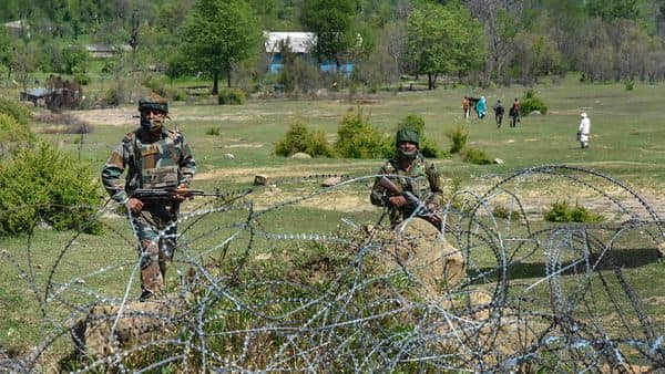 Indian army soldiers patrol near the Line of Control (LoC) in Mendhar sector of Poonch district (Photo: PTI)