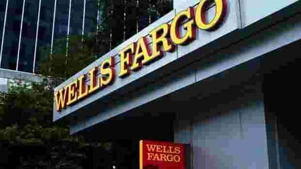 US banks set aside billions of dollars, bracing for more economic pain (Photo: Reuters)