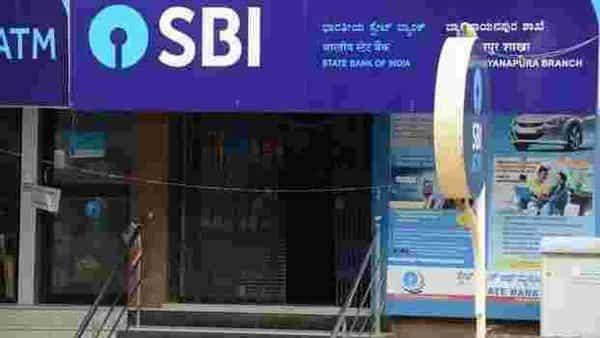 SBI charges 1% for premature withdrawal of an FD above 5 lakh but less than 1 crore. (Mint)