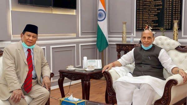 New Delhi: Defence Minister Rajnath Singh (R) meets Indonesian Defence Minister General Prabowo Subianto, in New Delhi, Monday, July 27, 2020. (PIB/ PTI Photo)(PTI27-07-2020_000083B) (PTI)