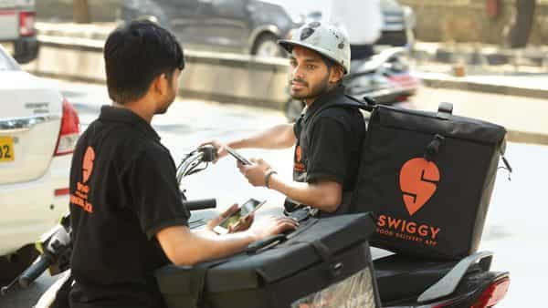 Swiggy doubled down on the grocery category and used its idle delivery fleet to deliver orders in this new segment. (Mint)