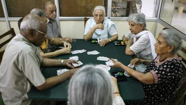LIC has recently modified the interest rates of Pradhan Mantri Vaya Vandana Yojana. Photo: AP (AP)