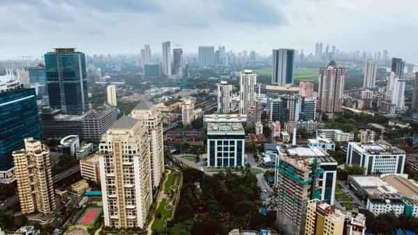 Housings and Commercial Real Estate, construction projects in Mumbai (istock)