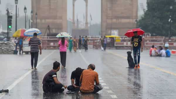 Dry weather prevails in Delhi, rain likely on Sep 15