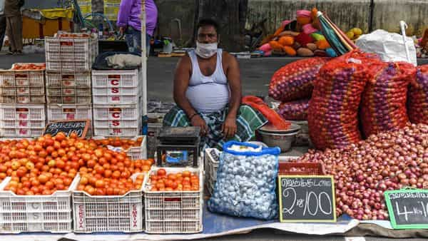 Retail inflation decelerates in August, but remains above RBI's tolerance level
