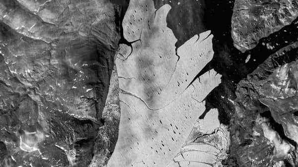A satellite image shows the Spalte glacier, in Northeast Greenland, August 30, 2017. EU Copernicus and GEUS/Handout via REUTERS NO RESALES. NO ARCHIVES. THIS IMAGE HAS BEEN SUPPLIED BY A THIRD PARTY. MANDATORY CREDIT (via REUTERS)
