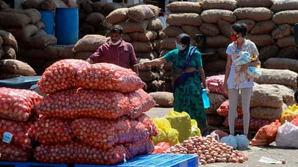 Onion farmers see red as government bans exports