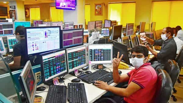 On Tuesday, the BSE Sensex ended at 39,044.35, up 287.72 points or 0.74%. The 50-share index Nifty was at 11,521.80, adding 81.75 points or 0.71%.
