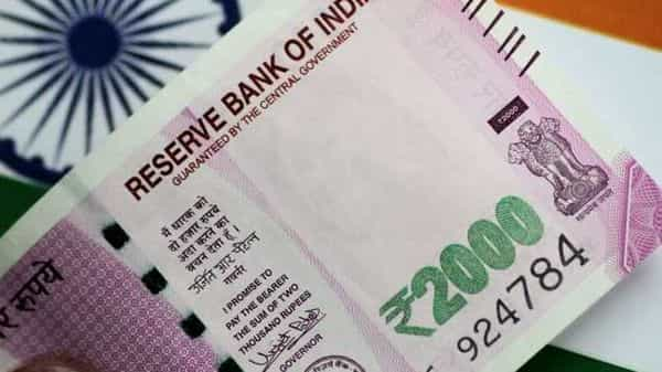 No decision to discontinue printing of  <span class='webrupee'>₹</span>2,000 note: FinMin