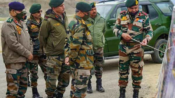 Ladakh: Army Chief General Manoj Mukund Naravane with commanders and troops during his visit to review the security situation in Ladakh, Friday, Sept 4, 2020. (PTI Photo) (PTI04-09-2020_000166B) (PTI)