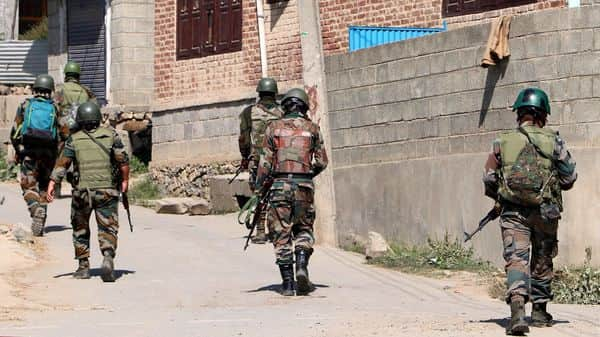 Army jawans deploying as militants attacked army at Marhama area of south Kashmir Anantnag District, in Srinagar on Tuesday.