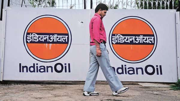 India directly holds 51.5% in Indian Oil, and another 25.9% through state-run Life Insurance Corp. of India, and explorers Oil & Natural Gas Corp. and Oil India Ltd (Photo: Priyanka Parashar/Mint)
