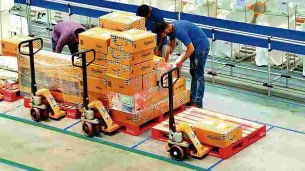 E-commerce firms like Amazon and Flipkart were doubling down on providing credit and fintech products, to make purchases even affordable for festive shoppers this year (Photo: Ramesh Pathania/Mint)