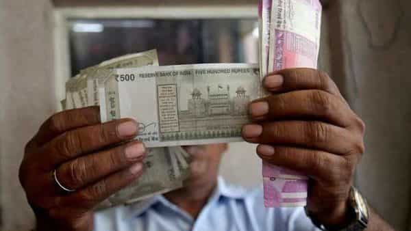 In India, there are around 70 lakh tax-payers whose gross annual income is more than  ₹10 lakh: SBI report