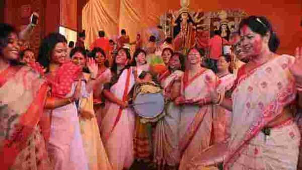 Sindur Khela during Durga Puja. Photo: Hindustan Times