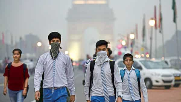 Exposure to high levels of air pollution during the winter months could worsen the effects of covid-19. (ht)