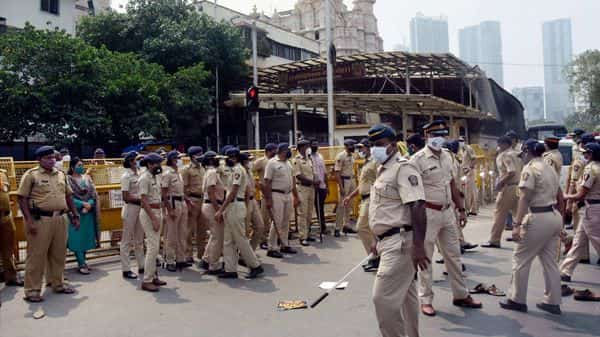 Transfer of 50k Axis Bank accounts of Mumbai police leads to political slugfest