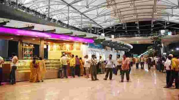 Hyderabad International Airport rolled out its e- boarding services for international flights after the government's nod based on a rigorous and successful pilot. (Mint)
