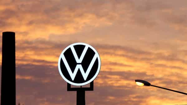 Sales in China, Volkswagen Group's single largest market, rose 3% over the entire July-September quarter (Bloomberg)