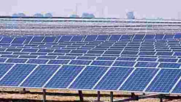 While the government has spoken of reducing dependence on China for solar imports and giving a fillip to domestic manufacturers by introducing a basic customs duty, this has not happened yet. File Photo: Mint
