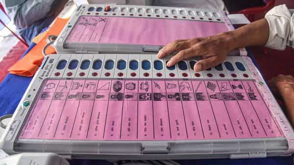 BJP's Sanjay Saraogi defeated his nearest RJD rival Amar Nath Gami on Darbhanga town seat by over 10,000 votes (PTI)