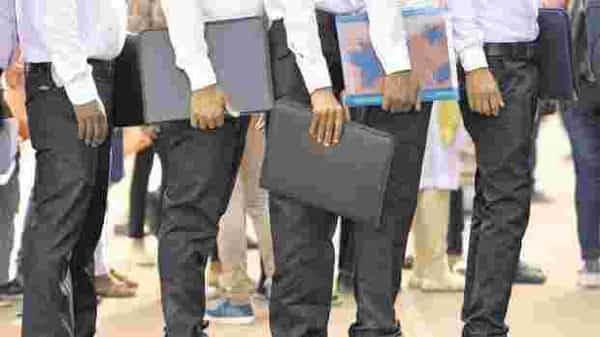 According to law, if a firm has 19 employees and adds one more to its payroll, all 20 will have to be registered under EPFO. This gives a false picture—that 20 jobs were created instead of just one. Photo: HT