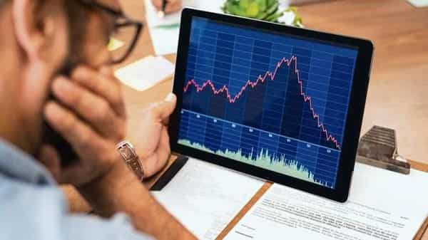 Axis Securities recommend to buy the stock with a target price of  ₹676, Motilal Oswal has kept the target at  ₹650, HDFC Securities has put a target price of 597, Dolat Research has kept the target at  ₹605 per share. (istockphoto)