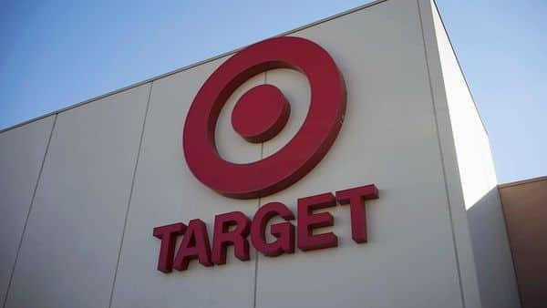 Target's net earnings rose to $1.01 billion (REUTERS)