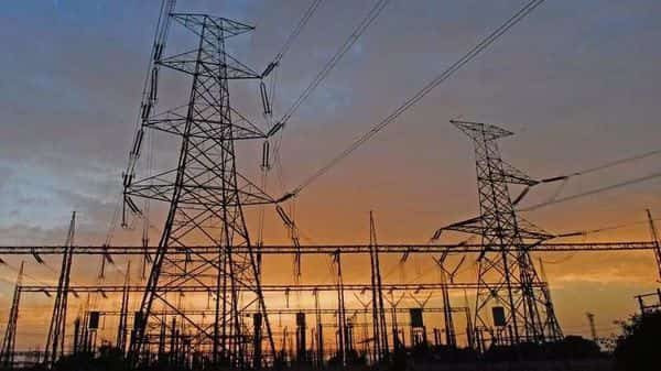Some discoms were unable to avail the  ₹1.25 tn reform-linked loan package for clearing dues.  (Photo: Ramesh Pathania/Mint)