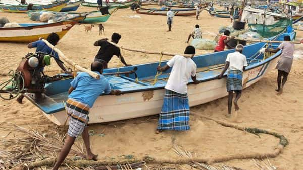Mamallapuram: Fishermen shift their boats for safety following Cyclone Nivar alert, in Mamallapuram, Monday, Nov. 23, 2020. (PTI Photo)  (PTI23-11-2020_000020B) (PTI)