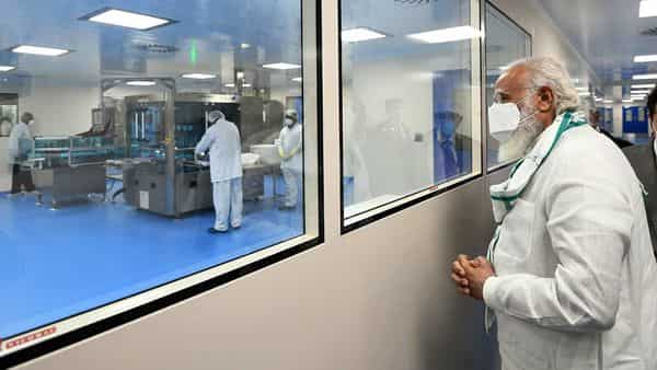 Prime Minister, Narendra Modi visits the Serum Institute of India, in Pune on Saturday. (ANI Photo)