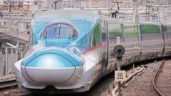 A file photo of an East Japan Railway Co. E5 series Shinkansen bullet train. (Bloomberg)