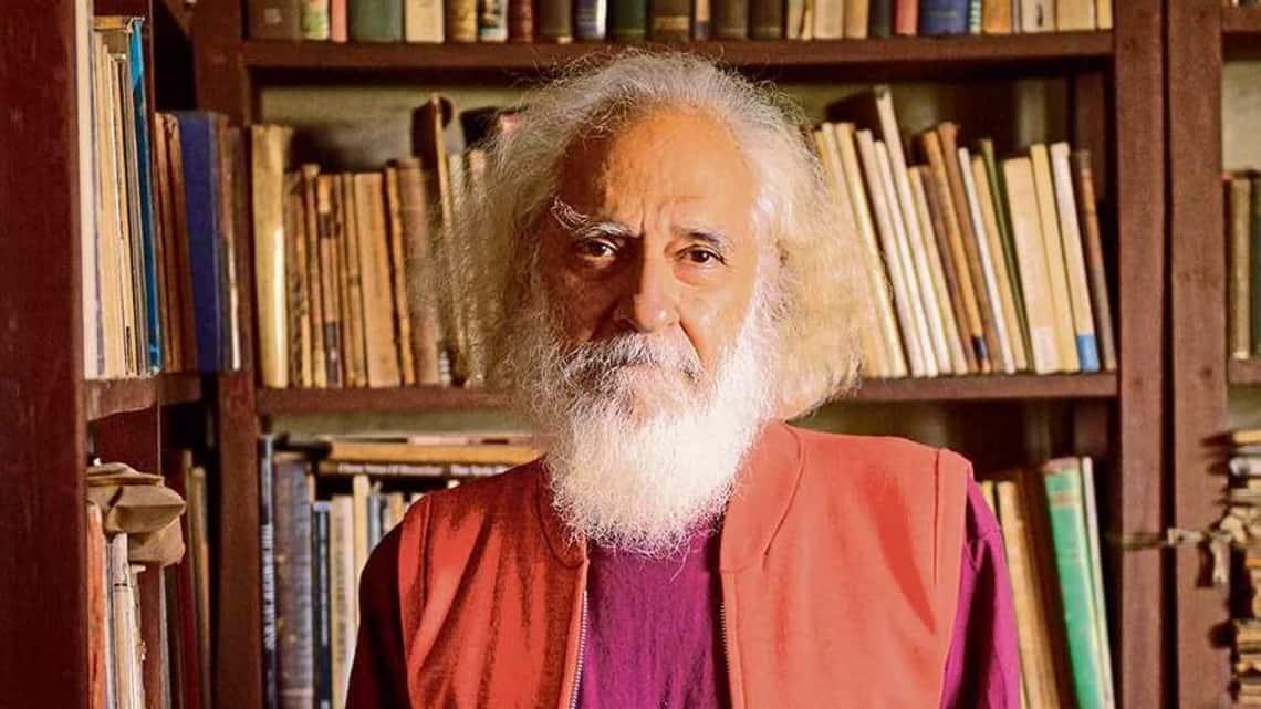 Arvind Krishna Mehrotra brings together 200 years of English prose. (Mint)