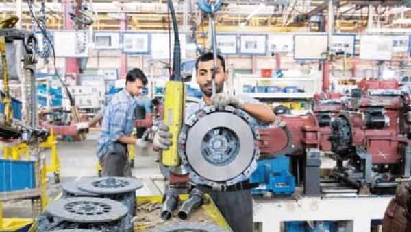 The rebound in factory output reinforces the claim that subsequent quarters would see a recovery in the economic growth momentum. (Photo: Mint) (Mint)