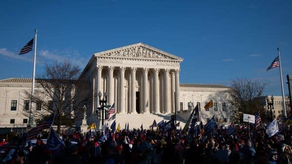 Supreme Court  (Bloomberg)