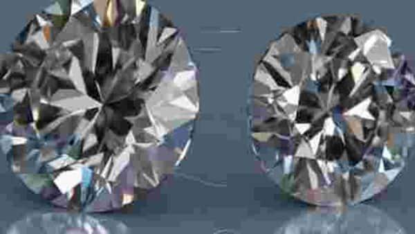 MP farmer turns millionaire after finding 14.98 carat diamond