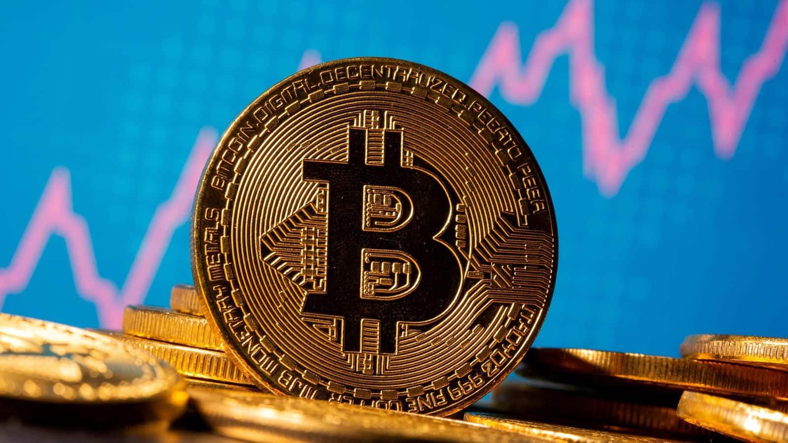 Kiek uždirba bitcoin. Bitcoin prekybos minimali investicija.