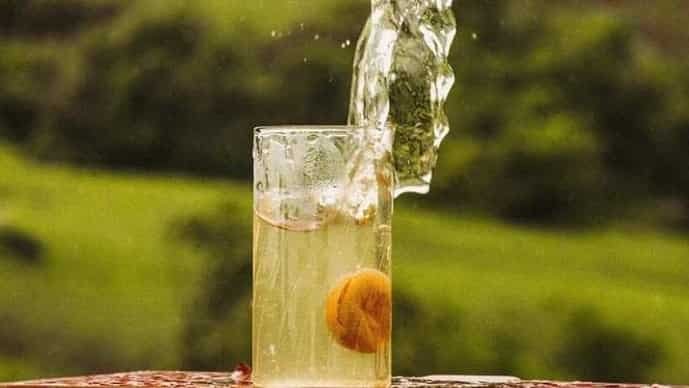 Add a splash of gin to your weekend (Photo: instagram.com/strangerandsons)