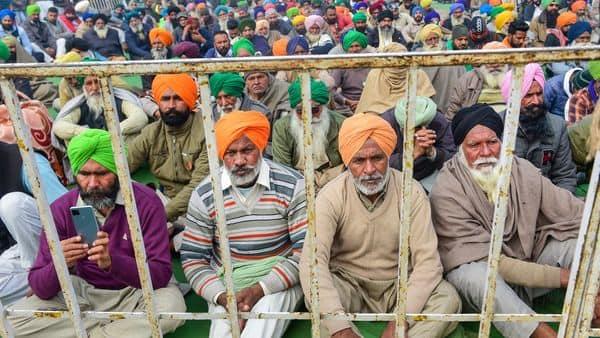 Farmers' stir: Many roads remain closed in Delhi