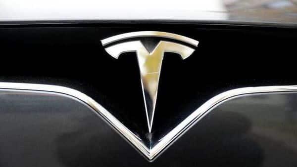 Tesla 2020 deliveries beat estimates, but fall short of target
