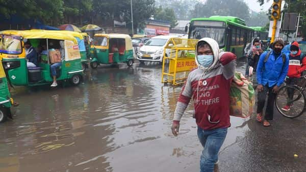Several parts of Delhi and adjoining areas received moderate to heavy rainfall along with thunderstorms since Sunday morning. (Photo: PTI)