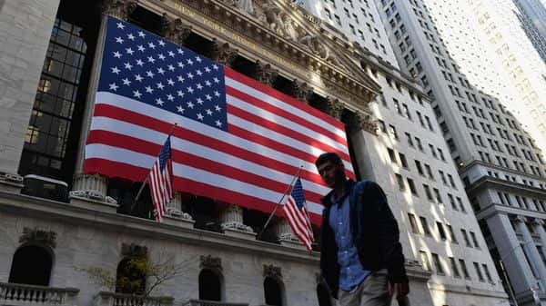 Share prices hit record highs in NY
