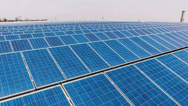EESL signed a pact with the NHAI for setting up solar power projects (Photo: Bloomberg)