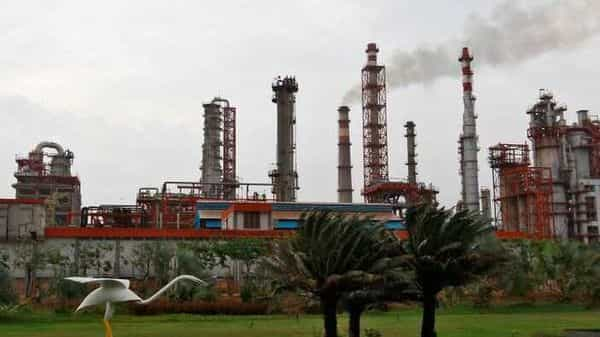 An oil refinery of Essar Oil. (File Photo: Reuters)