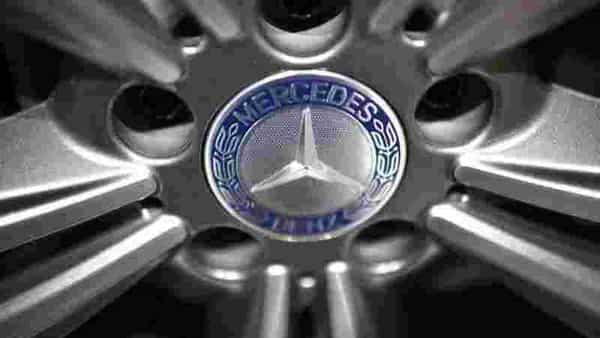 FILE PHOTO: The logo of Mercedes-Benz is pictured on a wheel of a car prior to the Daimler annual shareholder meeting in Berlin, Germany, April 6, 2016.  REUTERS/Hannibal Hanschke (REUTERS)