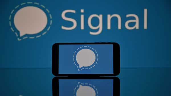 Signal is a cross-platform end-to-end encrypted messaging service that allows users to have one-on-one conversations and group chats. (AFP)
