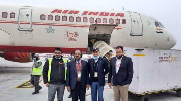 Delhi: The first consignment of #Covaxin by Hyderabad based Bharat Biotech, arrives at Indira Gandhi International Airport.