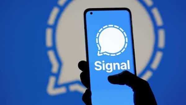 The Signal messaging app logo is seen on a smartphone, in front of the same displayed same logo, in this illustration taken, January 13, 2021. REUTERS/Dado Ruvic (REUTERS)