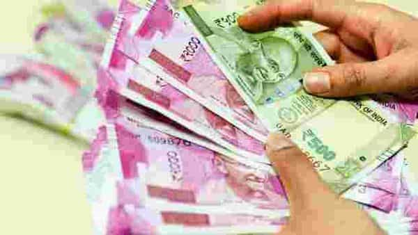Excess cash with banks averaged Rs39,700 crore ($6.2 billion) last week, compared to a peak of more than 5 trillion rupees in March, according to Bloomberg Intelligence India Banking Liquidity Index. Photo: Hemant Mishra/Mint